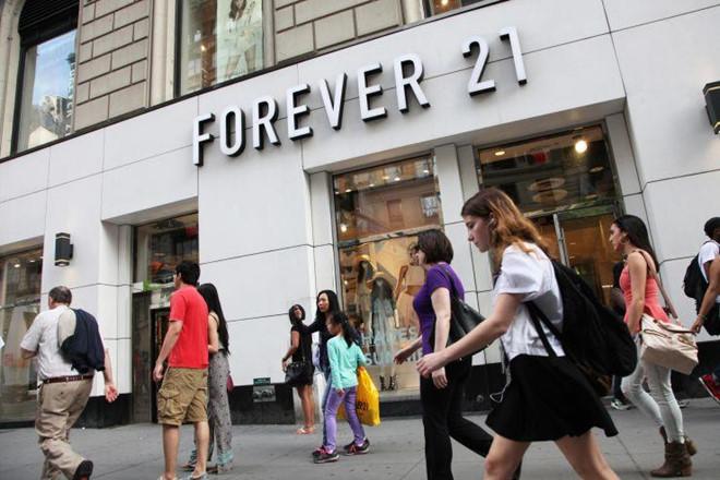 Cửa hàng thời trang online đang giết chết Forever 21