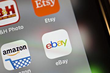 Vì sao Amazon muốn giống eBay hơn là giống Walmart?