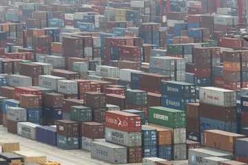 Thặng dư thương mại Trung Quốc tháng 5 tăng vượt dự kiến