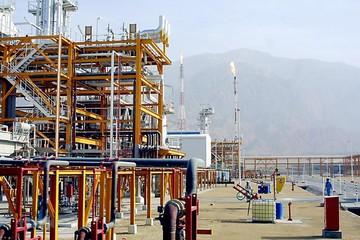 Chuyên gia: Mỹ sẽ thất bại trong trừng phạt công nghiệp hóa dầu Iran