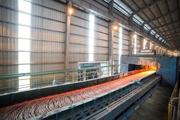 Biên lợi nhuận Hoà Phát có thể giảm do giá bán giảm, giá quặng sắt tăng