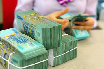 5 năm thu ngân sách tăng gần 570.000 tỷ: Vẫn không đủ chi tiêu