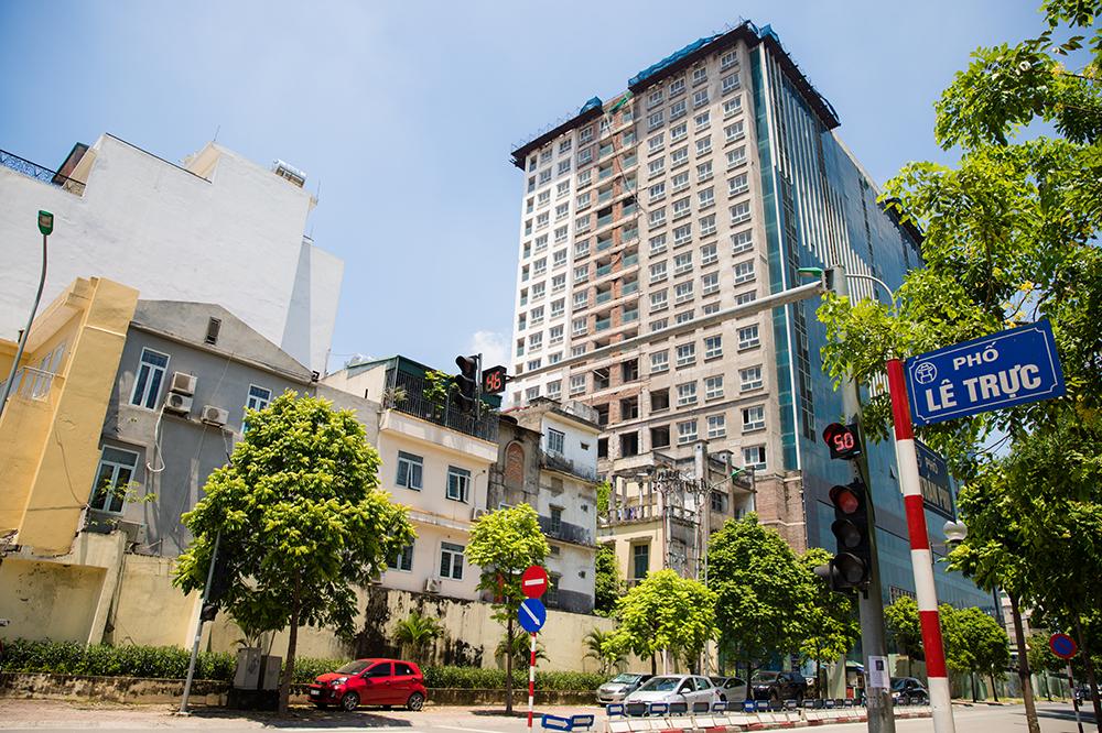 Chủ tịch Hà Nội: Để đảm bảo kỷ cương nếu phải đập cả toà nhà 8B Lê Trực thì vẫn phải đập