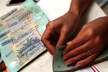 Lập sàn giao dịch mua bán nợ