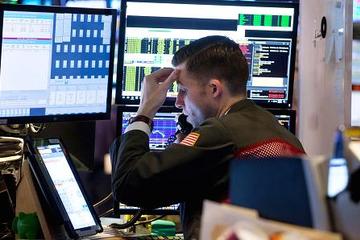 VN-Index tăng hơn 9 điểm, thanh khoản tích cực
