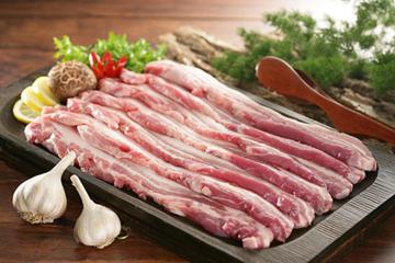 Dịch tả lợn châu Phi khiến giá thịt lợn nhập khẩu tăng cao