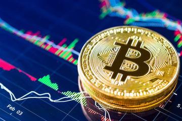 Giá Bitcoin vượt mốc 10.000 USD