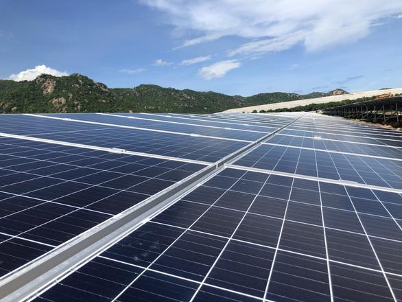 Nhà máy điện mặt trời Vĩnh Tân 2 phát điện thương mại