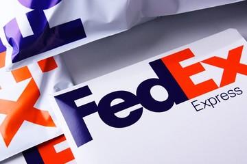 Trung Quốc yêu cầu FedEx giải thích việc từ chối chuyển hàng Huawei