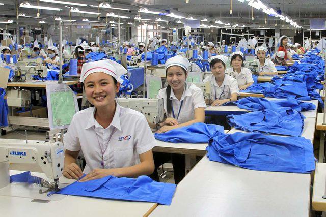 CEO HSBC Việt Nam: May mặc, da giày kỳ vọng được hưởng lợi nhiều nhất với EVFTA