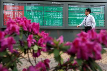 Chứng khoán châu Á giảm trước thềm họp Trump - Tập