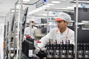 VinSmart hợp tác với Fujitsu và Qualcomm phát triển điện thoại 5G