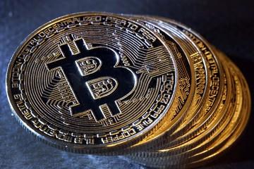 Thiếu lực hỗ trợ mới, giá Bitcoin tuột mốc 11.000 USD