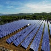 Đua làm điện mặt trời khi chưa có đường dây mới, nhiều chủ đầu tư bị yêu cầu giảm phát điện tới 65% công suất