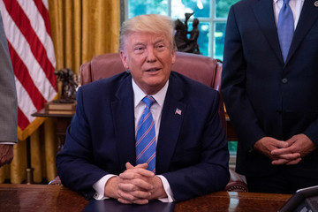 Trump nói Iran 'đùa với lửa' khi phá rào thỏa thuận hạt nhân