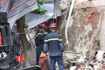 [Ảnh] Hiện trường vụ sập ngôi nhà ở phố cổ Hà Nội từng được rao bán 30 tỷ