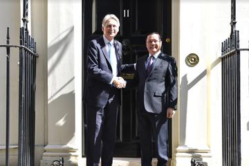 Tăng cường hợp tác thương mại, tài chính Việt Nam và Anh