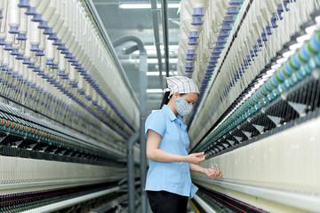 EVFTA sẽ tác động thế nào đến ngành dệt may, thủy sản, gỗ Việt Nam?
