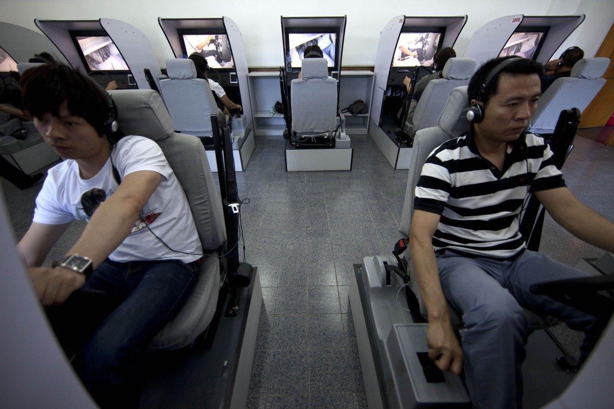 Người Trung Quốc đổ xô sang Hàn Quốc học lái xe
