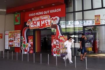 Siêu thị ngoại không được bán những mặt hàng nào ở Việt Nam?