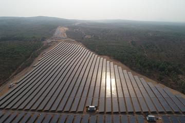 Nhộn nhịp mua cổ phần công ty điện mặt trời