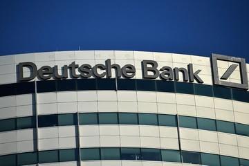 Deutsche Bank tuyên bố rút lui khỏi thị trường vốn toàn cầu, cắt giảm 18.000 nhân sự