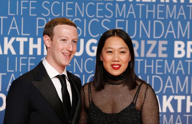 Bị tố quấy rối nhân viên, kỳ thị vợ sếp, cận vệ CEO Facebook nghỉ việc
