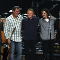 """<p class=""""Normal""""> <strong>8. The Eagles: 100 triệu USD</strong></p> <p class=""""Normal""""> Tuổi: -<br /><br /> Eagles là ban nhạc rock người Mỹ thành lập tại Los Angeles vào năm 1971 bởi Glenn Frey, Don Henley, Bernie Leadon và Randy Meisner. Tour diễn gần đây nhất của họ là """"An Evening With The Eagles Tour"""" thu được khoảng 3,5 triệu USD ở mỗi điểm.</p> <p class=""""Normal""""> Ảnh:<em> Getty Images.</em></p>"""