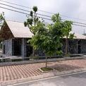 <p> Thiết kế của ngôi nhà được lấy cảm hứng từ vẻ đẹp của danh thắng quốc gia Kẽm Trống nằm giữa 2 tỉnh Hà Nam và Ninh Bình.</p>