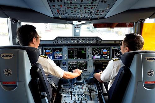 Vingroup mở trường đào tạo phi công, thợ máy
