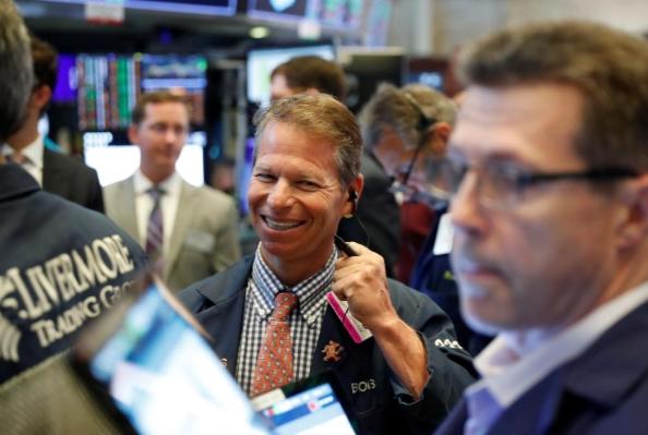 Phố Wall tiếp tục lập đỉnh lịch sử mới, S&P 500 lần đầu chốt phiên trên 3.000 điểm