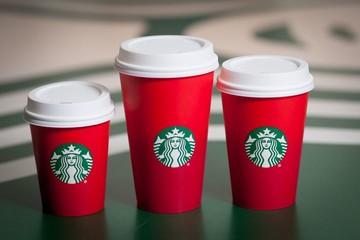 Những chiếc cốc khiến nhiều người nổi giận của Starbucks