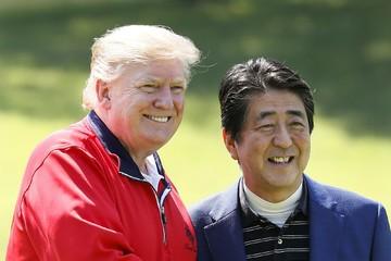Trump chơi golf cùng Thủ tướng Nhật Bản