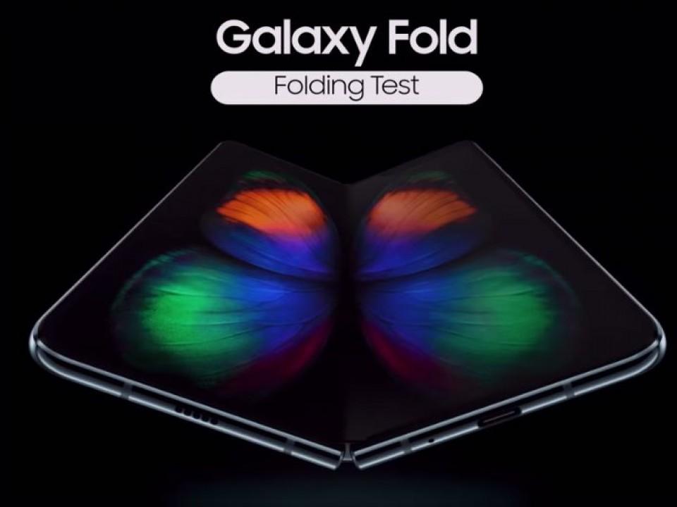 Samsung thử khả năng gập màn hình của Galaxy Fold