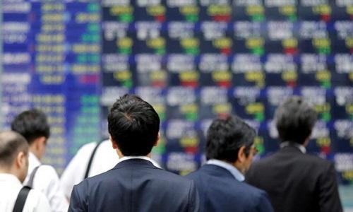 Giới đầu tư chốt lời, chứng khoán châu Á giảm