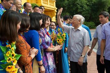 Tổng Bí thư, Chủ tịch nước gặp Đoàn đại biểu Chủ tịch công đoàn cơ sở tiêu biểu