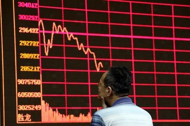 Chứng khoán Trung Quốc – Hong Kong giảm hơn 1% bị rút thanh khoản