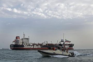 Vì sao giá dầu không leo thang theo xung đột Iran và phương Tây?