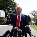 """<p class=""""Normal""""> <strong><span style=""""color:rgb(95,95,95);"""">Donald Trump</span></strong></p> <p class=""""Normal""""> Cá nhân Tổng thống Donald Trump chưa bao giờ tuyên bố phá sản, nhưng 6 trong số các công ty của ông đã từng nộp đơn xin bảo hộ phá sản.</p> <p class=""""Normal""""> Sòng bạc Taj Mahal của ông Trump ở Atlantic City tuyên bố phá sản vào năm 1991. Hai sòng bạc khác của ông cũng phá sản, cùng với khách sạn Plaza Hotel ở New York.</p> <p class=""""Normal""""> Truyền thông Mỹ còn phá hiện ra rằng hai công ty khác của ông Trump cũng phá sản nhưng ít được biết tới. Đó là Trump Hotels and Casinos Resorts phá sản năm 2004 với 1,8 tỷ USD tiền nợ, và Trump Entertainment Resorts phá sản năm 2009.</p> <p class=""""Normal""""> Tuy nhiên, những vụ phá sản này có vẻ không khiến ông Trump buồn phiền. Trong một cuộc tranh luận thuộc khuôn khổ bầu cử sơ bộ của Đảng Cộng hòa năm 2016, ông Trump đã được hỏi làm sao ông đáng tin cậy để điều hành đất nước sau chuỗi vụ phá sản như vậy. Ông đáp: """"Tôi đã vận dụng luật của đất nước này, giống như những người thông minh tuyệt vời khác… Nhờ đó, tôi làm được điều tốt cho công ty của tôi, cho bản thân tôi, nhân viên của tôi, và gia đình tôi"""".</p>"""