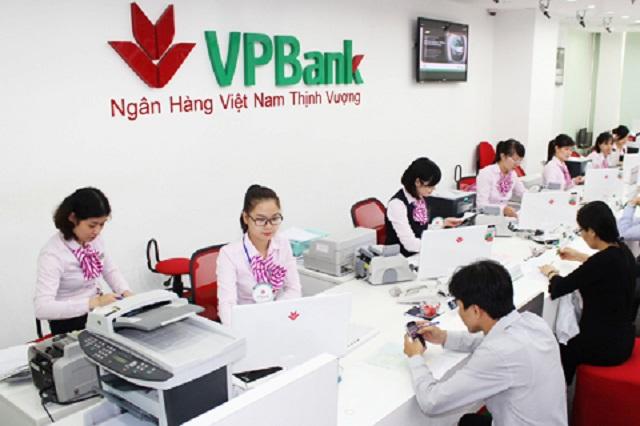 Vợ Chủ tịch VPBank đăng ký chuyển nhượng 4 triệu cổ phiếu cho con gái