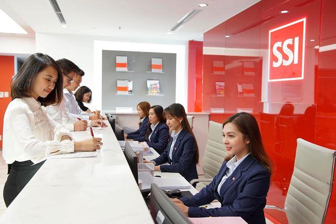 SSI là công ty chứng khoán duy nhất vào Top 50 thương hiệu dẫn đầu Việt Nam
