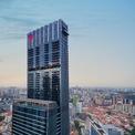 <p> Toà nhà đi vào vận hành từ năm 2018, cao 931 feet (hơn 283 m). Khu dân cư cao cấp Wallich nằm từ tầng 39 đến 64 của toà nhà.</p>