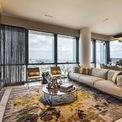<p> Tỷ phú người Anh James Dyson đã chi 54,2 triệu USD để sở hữu căn penthouse sang trọng bên trong Wallich Residence - mức giá đắt đỏ nhất ở Singapore hiện nay.</p>