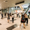 <p> Riêng không gian bán lẻ và ăn uống chiếm hơn 9.200 m2.</p>