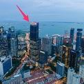 <p> Guoco Tower - khu trung tâm hành chính và thương mại nổi tiếng ở Singapore - nằm ở giữa sông Singapore, vịnh Marina và khu phố Tàu. Toà nhà cung cấp các dịch vụ giải trí, ăn uống, bán lẻ, văn phòng và nhà ở.</p>