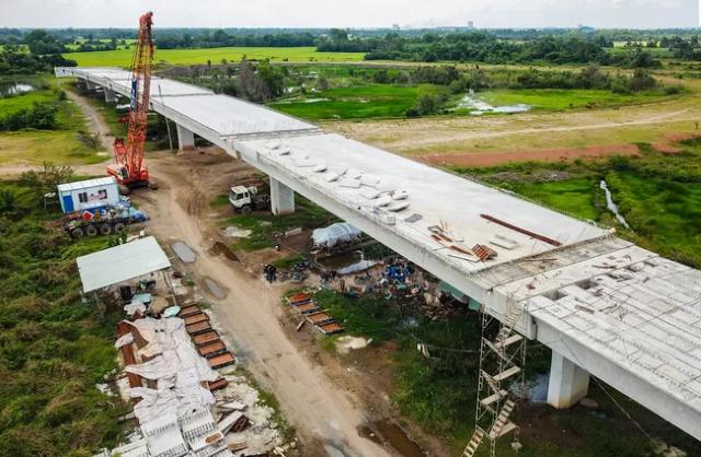 Thủ tướng: Ngân hàng phải cung ứng vốn đủ, kịp thời cho dự án Trung Lương - Mỹ Thuận