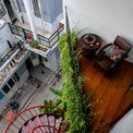 <p> Ban công tầng 3 được thiết kế để trở thành nơi thư giãn với cây xanh, bàn trà.</p>