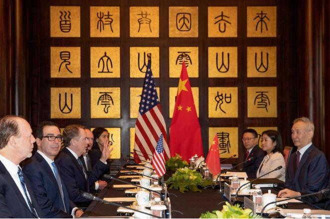 Phái đoàn Mỹ - Trung bắt tay, đàm phán trực tiếp lần đầu kể từ tháng 5