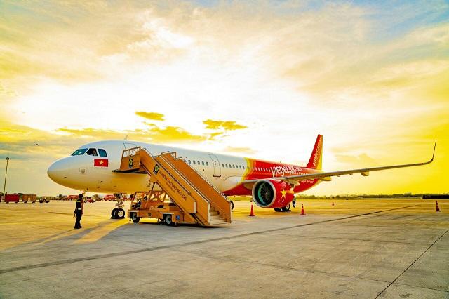 Doanh thu vận tải hàng không Vietjet tăng mạnh 22%, tỷ trọng quốc tế đạt 54% nửa đầu năm
