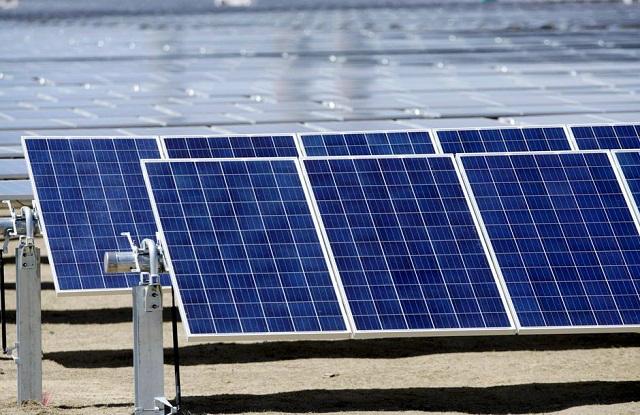 Điện mặt trời vẫn chưa chốt được giá mới